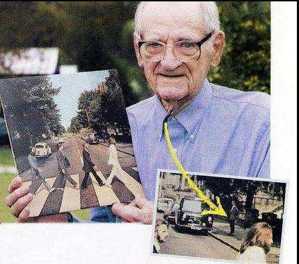 "O homem na calçada da foto da capa do álbum ""Abbey Road"" dos Beatles (The man on the sidewalk on the cover of Beatles"