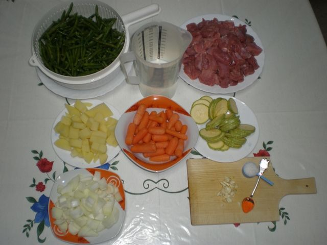 Ingredientes para receta de pavo con zanahorias baby